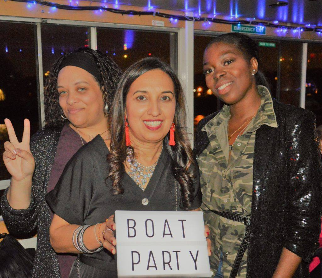 Guests-enjoying-the-boat-party
